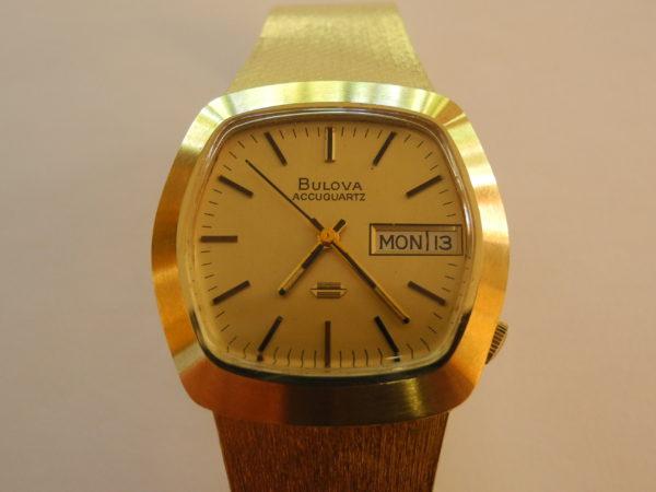 BULOVA ACCUTRON 18 k 750 Gold + Original Box + Anleitung