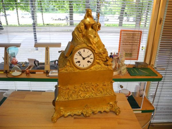 """Bronze Pendule """"Rollin de Paris"""" Kaminuhr ca. um 1830 Feuervergoldet"""